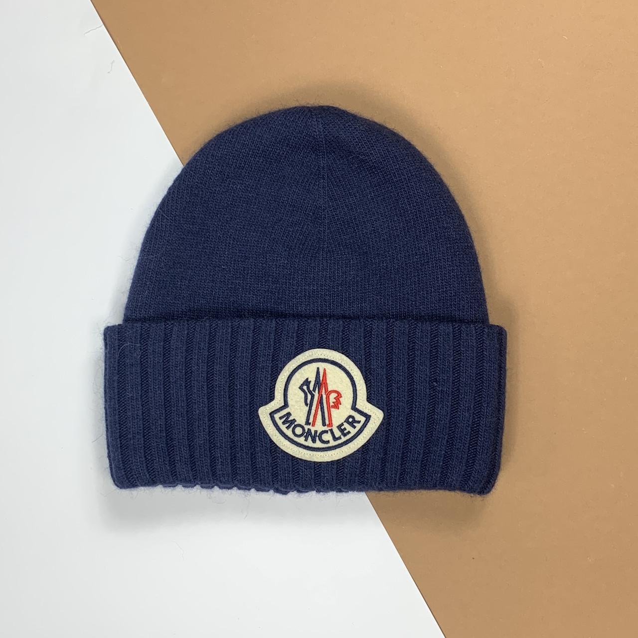 Синя шапка Moncler