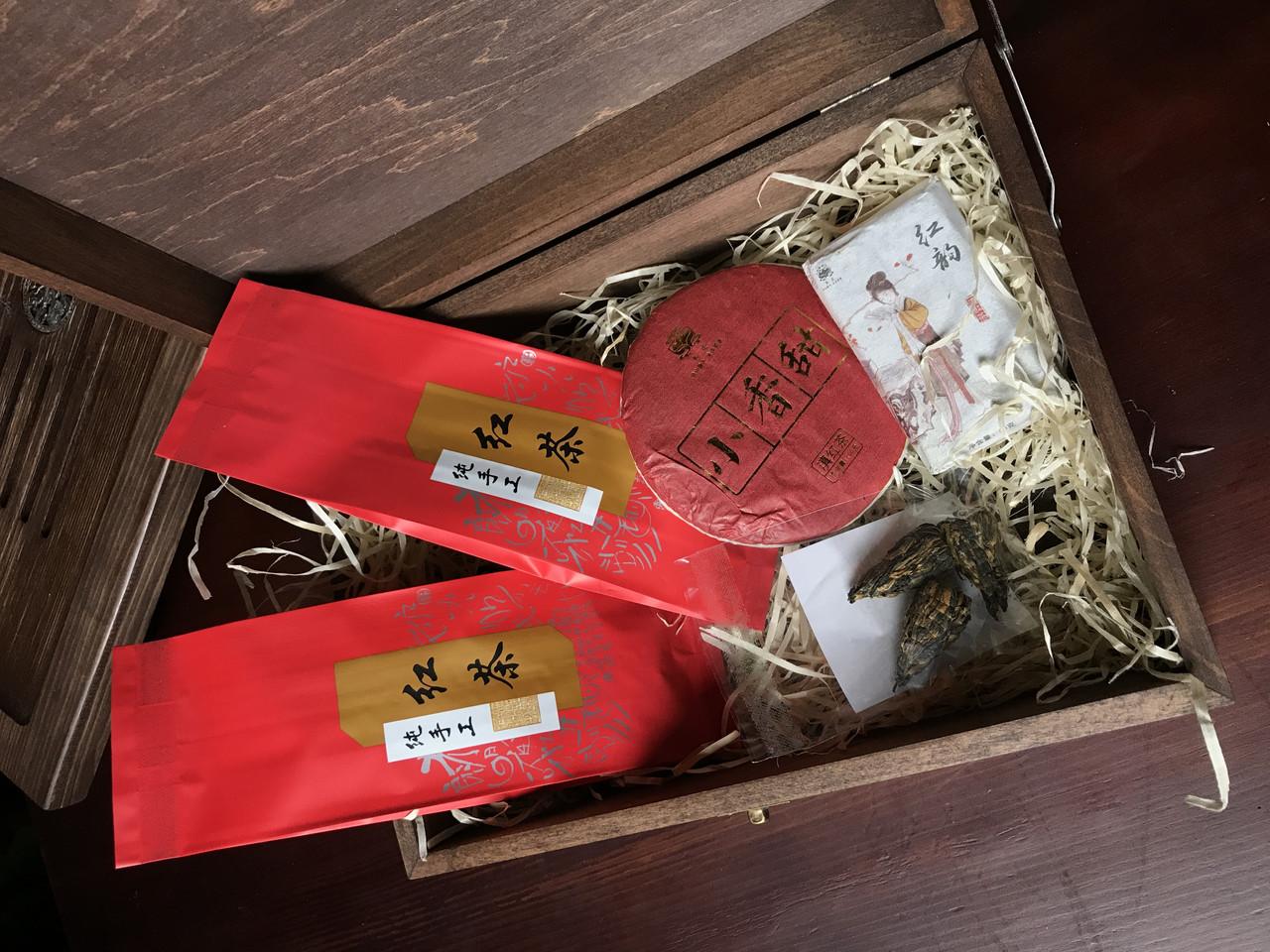 Набор классического красного чая в шкатулке