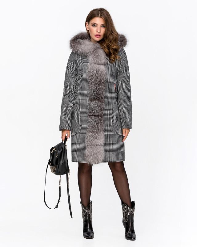 Зимнее пальто с капюшоном в клетку серое