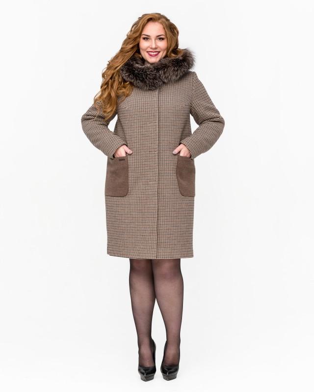 Зимнее пальто с капюшоном и мехом шоколадное