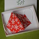 Новогодняя защитная маска для лица женская трехслойная многоразовая хлопковая Снежинки, фото 2