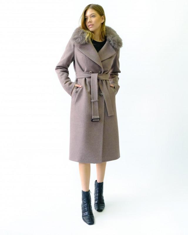 Зимнее пальто капучино с мехом