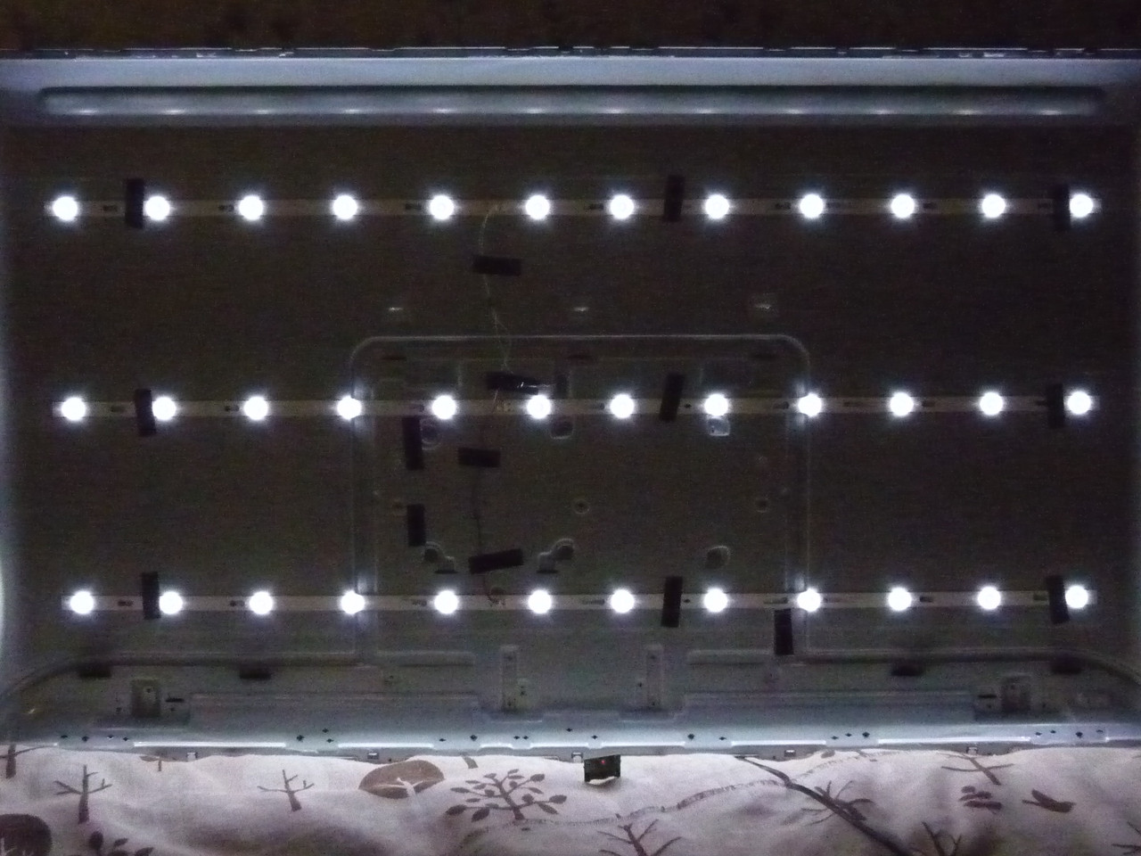 Светодиодные LED-линейки TCL55D12-ZC52AG-01 (матрица LVU550CSDX).