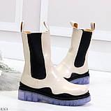 Модельные высокие бежевые Женские ботинки челси с эластичными вставками по бокам, фото 2