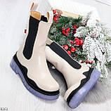 Модельные высокие бежевые Женские ботинки челси с эластичными вставками по бокам, фото 10