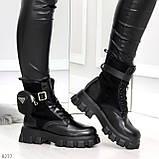 Черные демисезонные женские ботинки мартинсы с кошельками низкий ход, фото 4