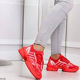 Яркие повседневные текстильные красные женские кроссовки на шнуровке, фото 2