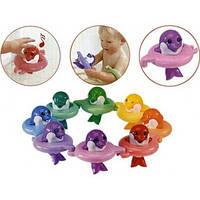 Детская Музыкальная Игрушка для ванной Поющие дельфины с надувными кругами по нотам разноцветная Tomy Томи, фото 1