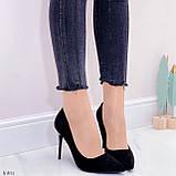 Женские туфли лодочки черные с декором на каблуке 10,5 см эко-замш, фото 5
