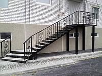 Лестницы входные уличные