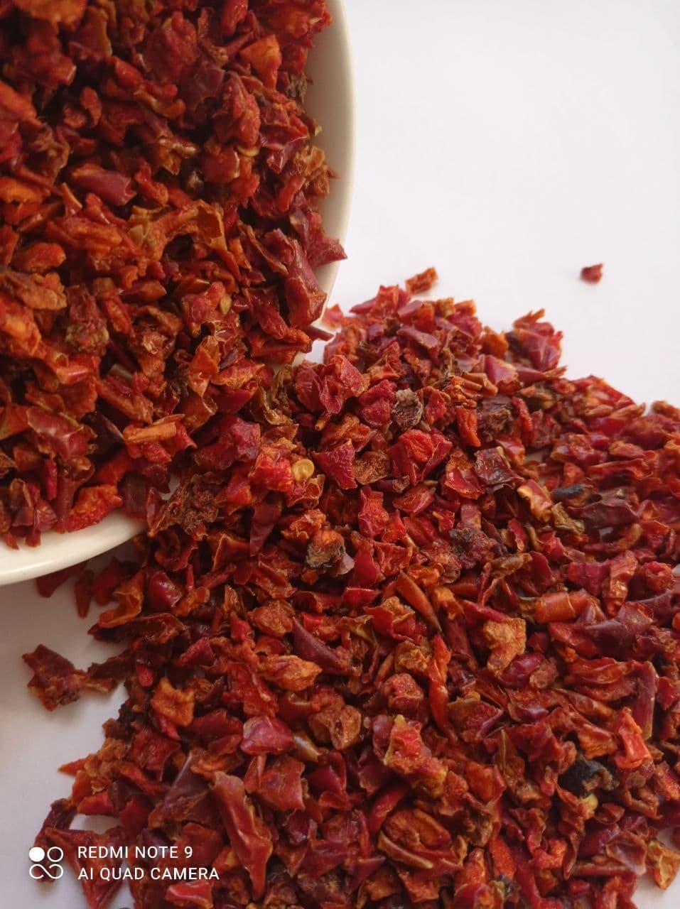 Паприка сладкая красная резанная 6*6 (Китай), 100 грамм