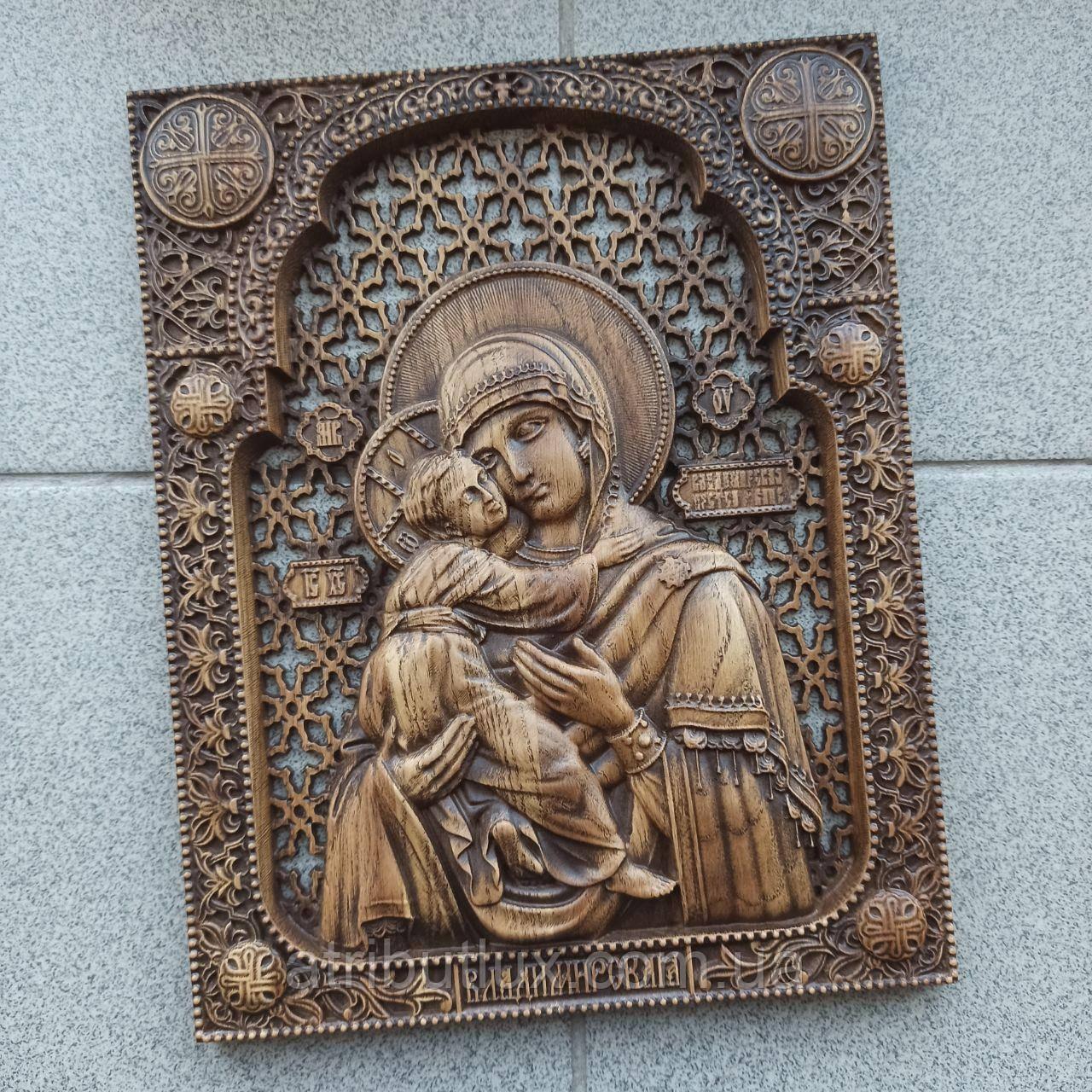 Икона резная из дерева. Владимирской Божьей Матери