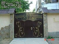 """Металлические распашные кованые ворота со съемной аркой и встроенной калиткой """"стандарт класс"""", фото 1"""