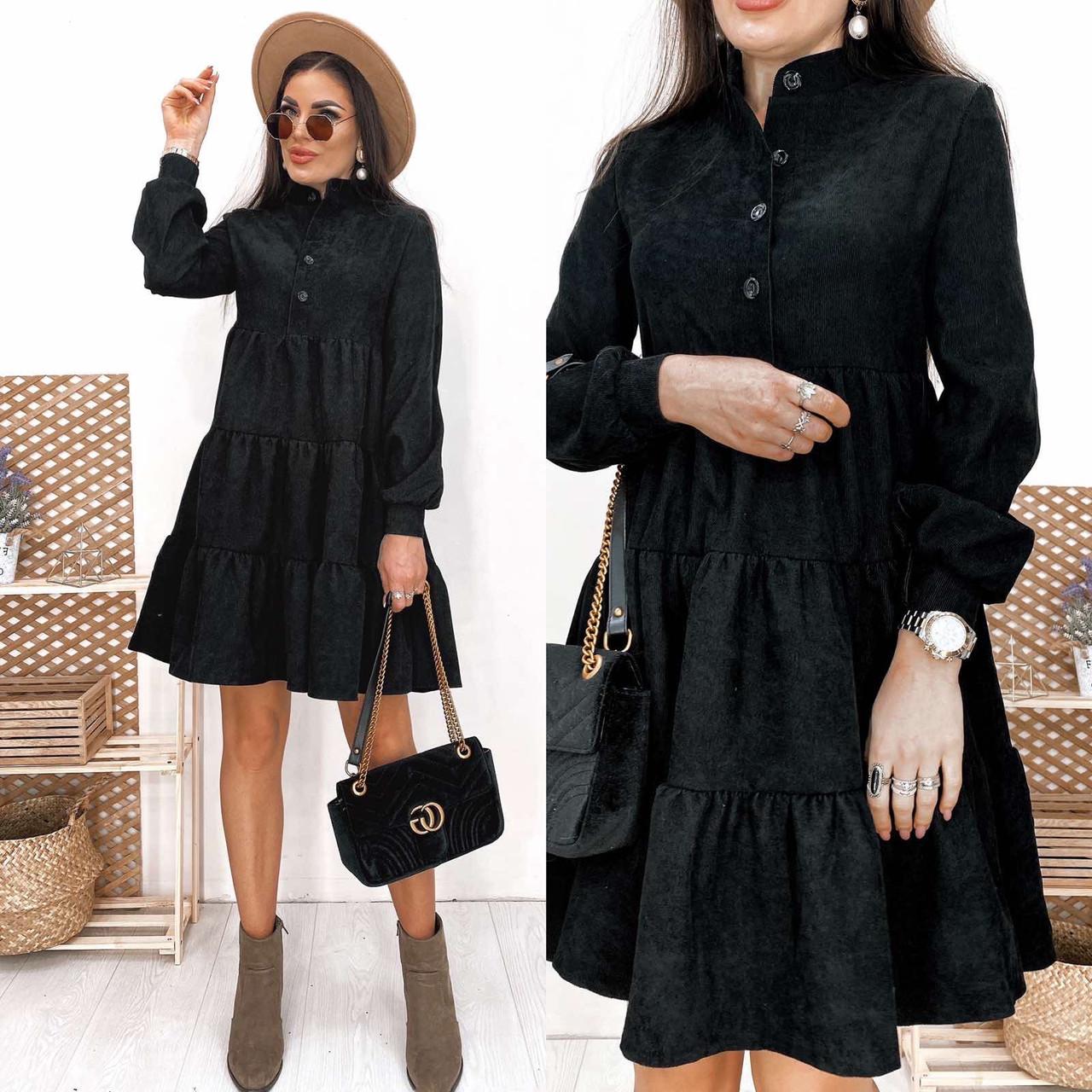 Чёрное вельветовое платье-трапеция
