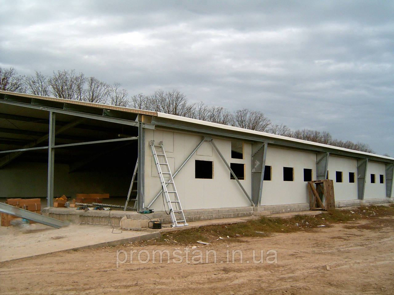 Монтаж быстромонтируемых каркасных зданий БМЗ из профнастила (холодное здание)