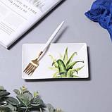 Керамічна прямокутна тарілка з квітковим малюнком 20 см, фото 2