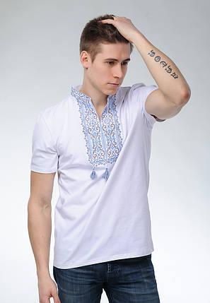 Мужская вышиванка с коротким рукавом белого цвета «Король Данило (синяя вышивка)», фото 2