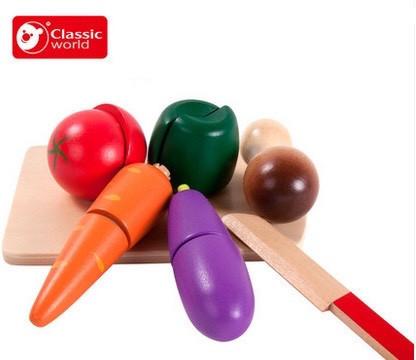 Игровой набор Classic world деревянные овощи с ножом