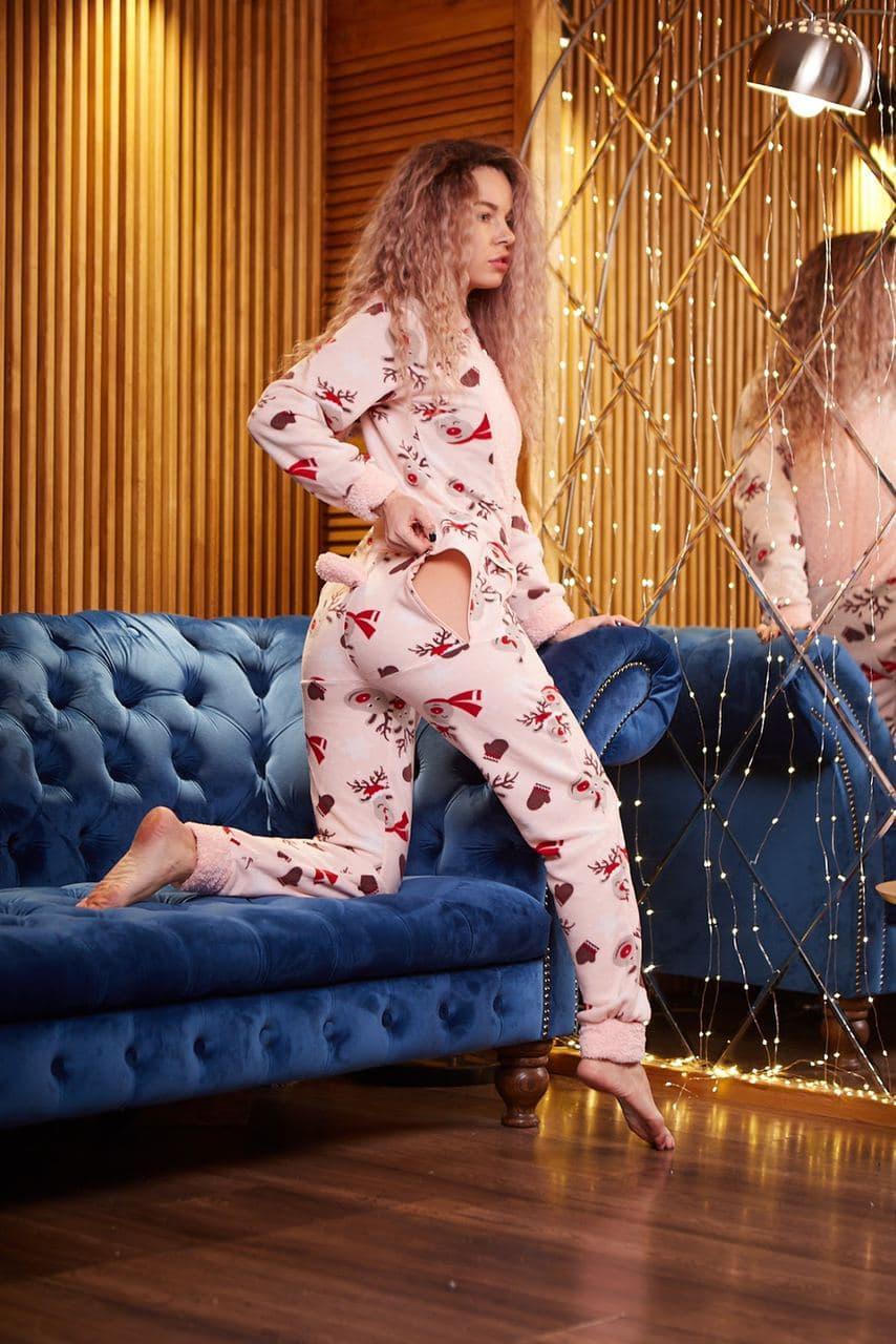 Пижама комбинезон с карманом (вырезом) на попе теплая розовая новогодняя