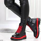 Эффектные яркие черные женские ботинки на красной шнуровке, фото 3