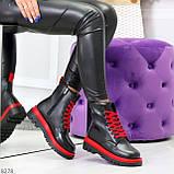 Эффектные яркие черные женские ботинки на красной шнуровке, фото 6