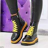 Эффектные яркие черные женские ботинки на желтой шнуровке, фото 8