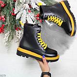 Эффектные яркие черные женские ботинки на желтой шнуровке, фото 10