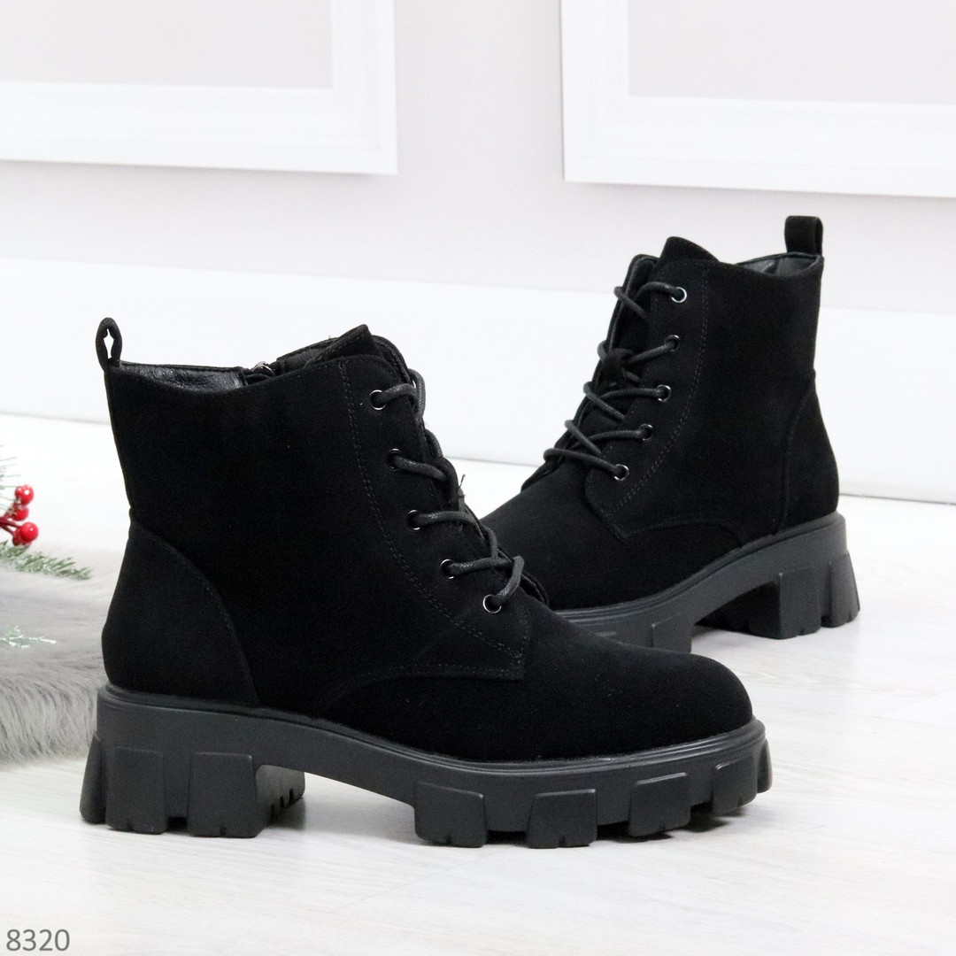 Черные женские ботинки из натуральной замши классического дизайна