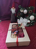 Подарочный набор орехи и сухофрукты 1090 г