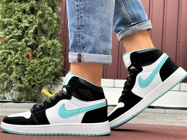 Кросівки Nike Air Jordan 1 Retro білі з мятою. Кроссовки Найк Аир Джордан 1 Ретро демисезонные