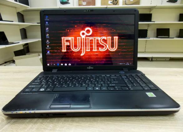 Мощный Fujitsu AH512 + (Intel Core i3) + Гарантия