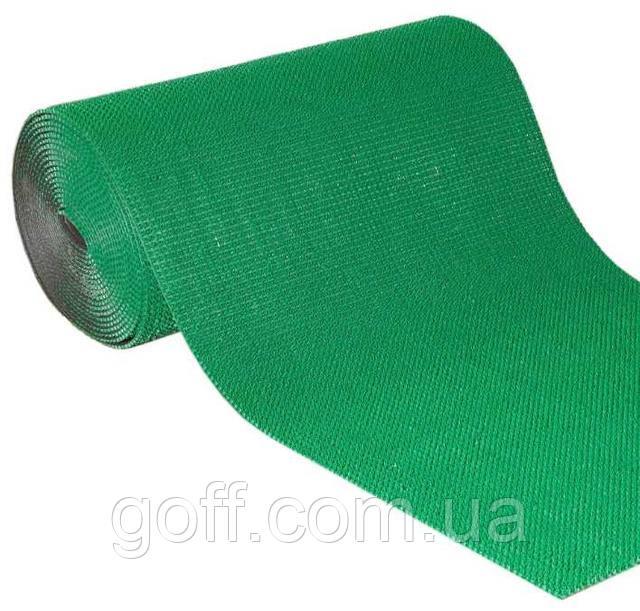 щетинистое темно зеленое коврик травка на ступени