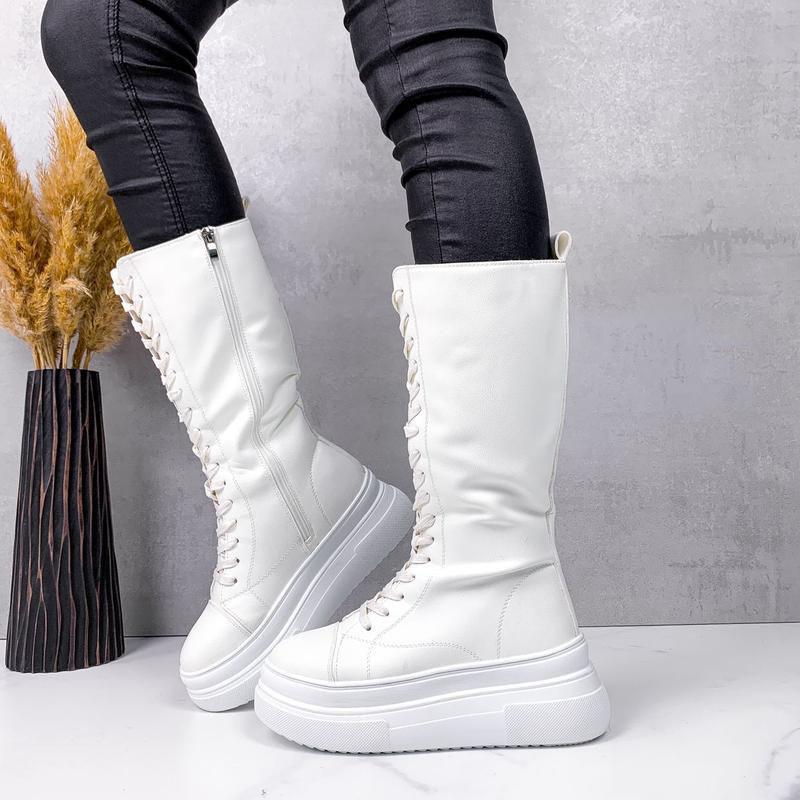 Женские сапоги зимние теплые с мехом на шнуровке и молнии белые эко кожа b-467
