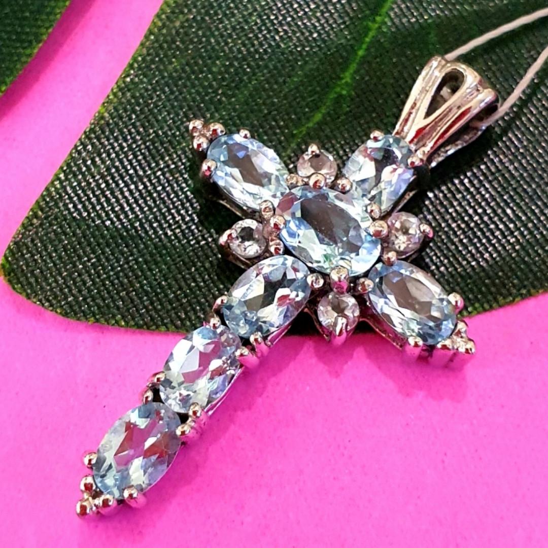Серебряный крестик с голубым топазом - Женский крестик с топазом серебро