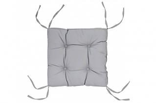 Подушки на стільці і табурети