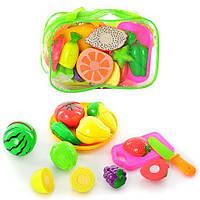 Разрезные овощи и фрукты, продукты на липучках в сумке