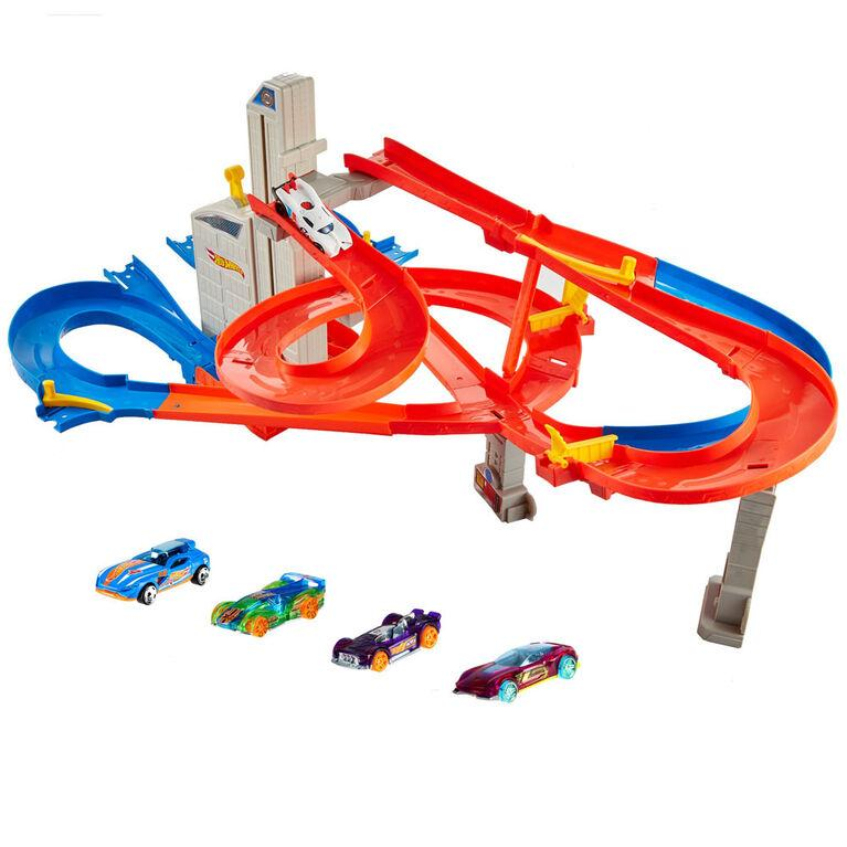 Hot Wheels Трек Автоматический скоростной лифт автолифт 4 в 1 и 5 машинок FXN21 Auto Lift Expressway