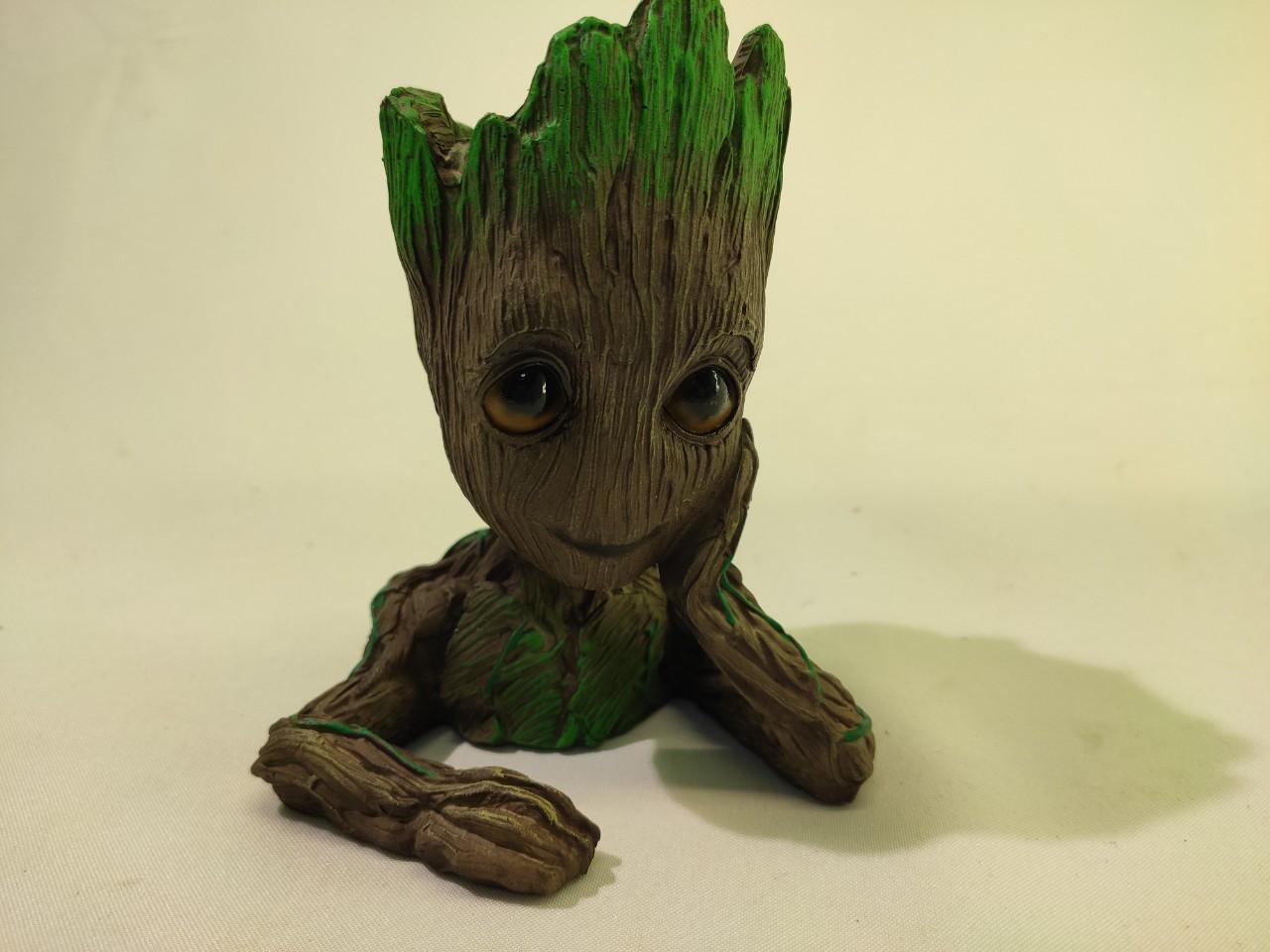 Глиняный цветочный горшок - милый малыш Грут из Стражей Галактики от Marvel Подпирающий голову рукой