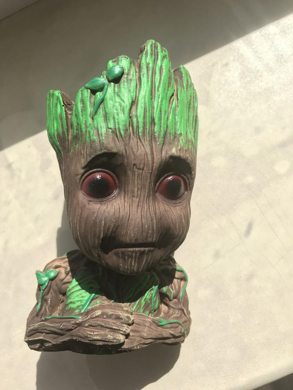 Глиняный цветочный горшок - задумчивый малыш Грут - из Стражей Галактики от Marvel задумчивый