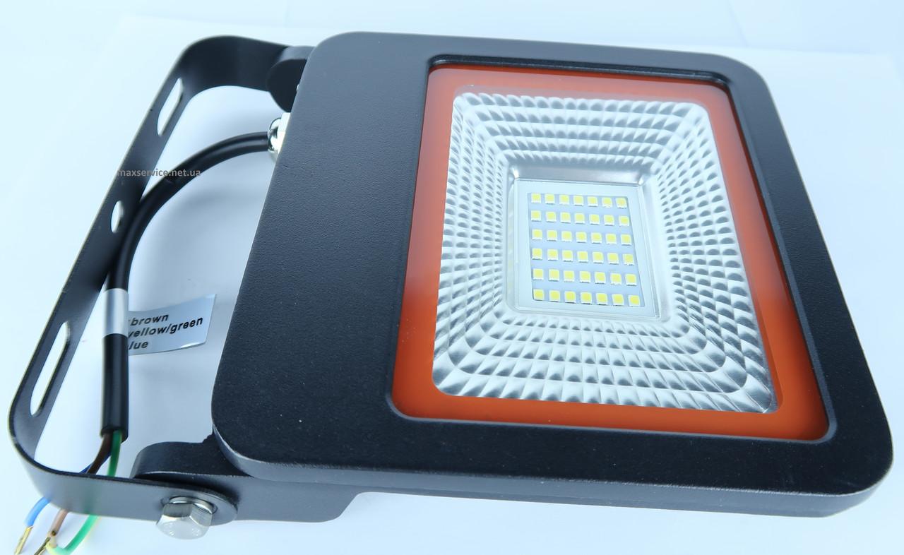 LED Прожектор черный с радиатором 30W 6500K