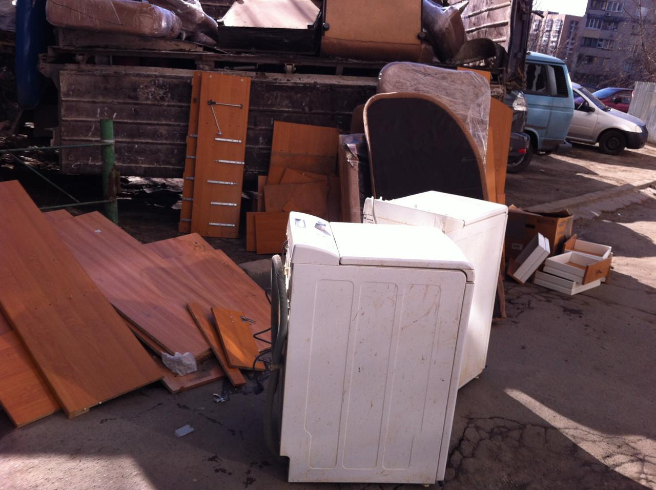 Вывоз старой мебели - фото 2