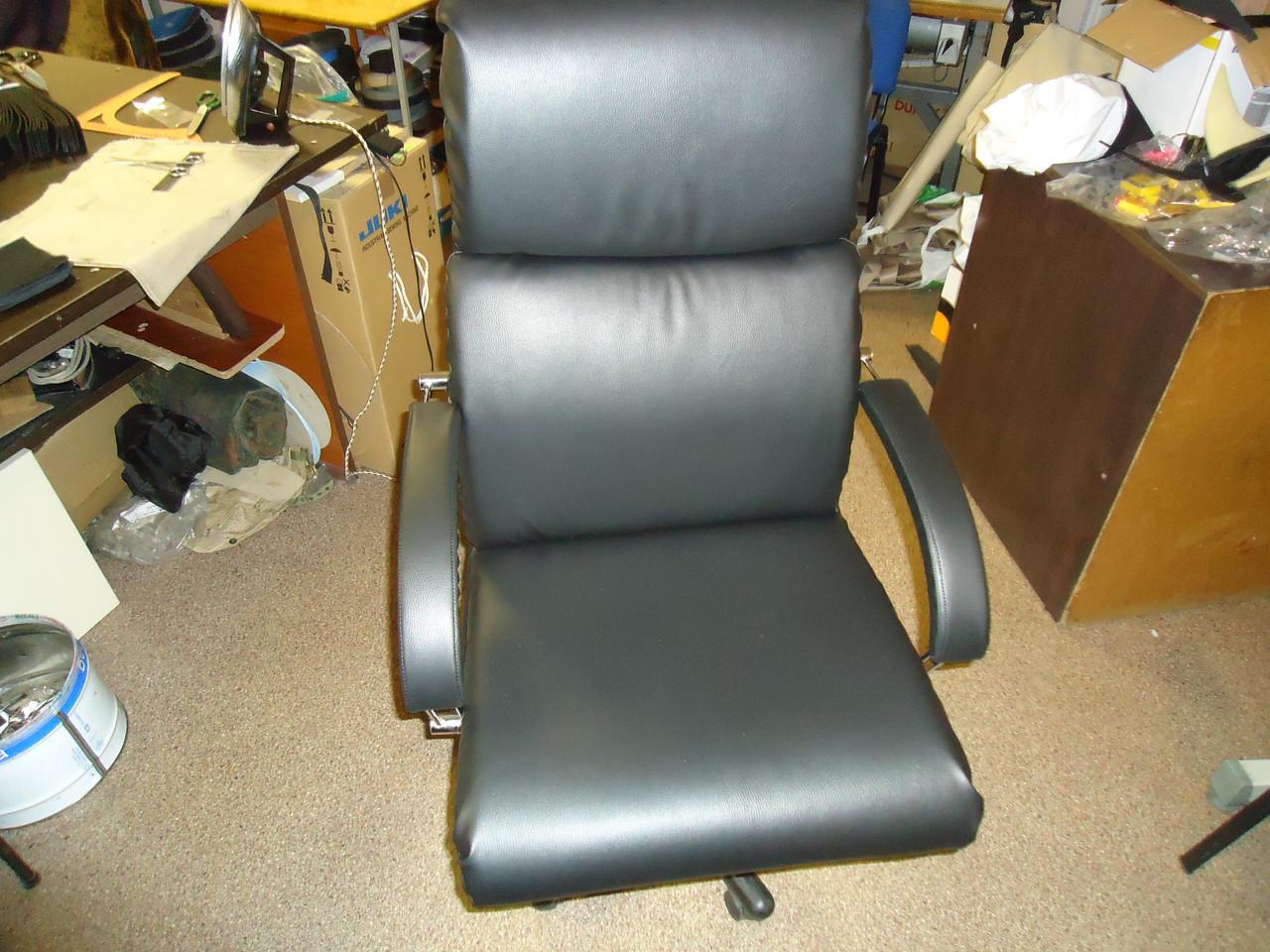 Перетяжка крісел, диванів, стільців