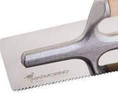 Гладилка нержавеющая с зубцами (240х100 мм). Marmorino Tools
