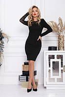 Черное облегающее платье с кружевной вставкой