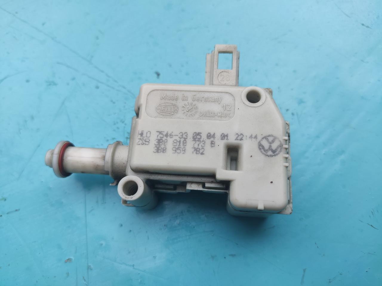 Электропривод сервопривод привод активатор лючка бака seat skoda vw audi 3b0810773B 3b0959782