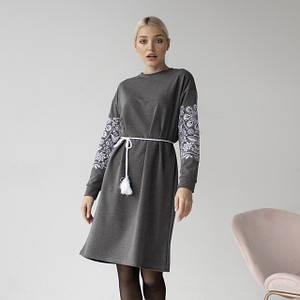 Трикотажні вишиті сукні