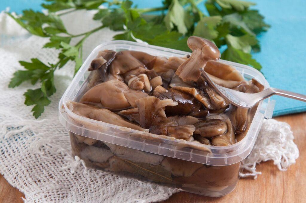 Готові мариновані гриби Опеньки 500 грам (вагові)