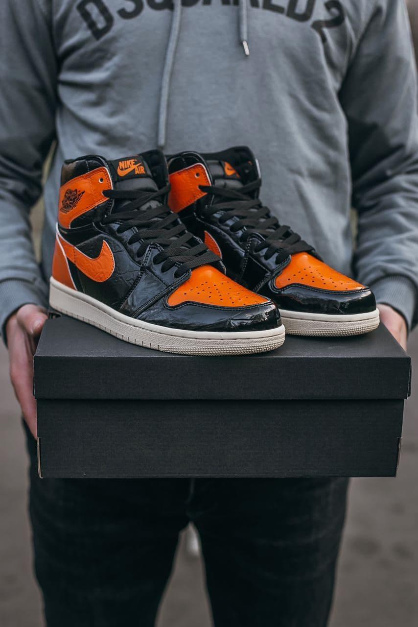Женские кожаные кроссовки Air Jordan Retro 1 Black Orange