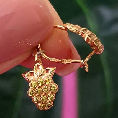 Дитячі золоті сережки на петельці Ананасик