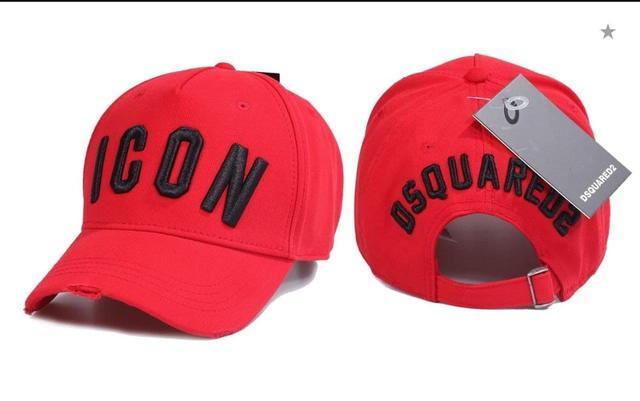 Брендовая кепка Dsquared2